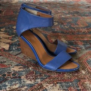 Seychelles Wedge heel shoe